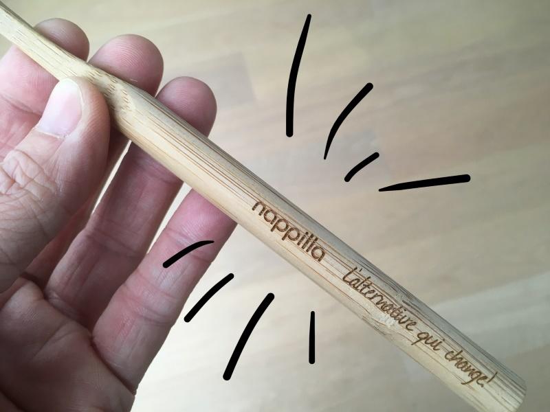 Brosse en bambou j'aime mes dents avec notre logo nappilla
