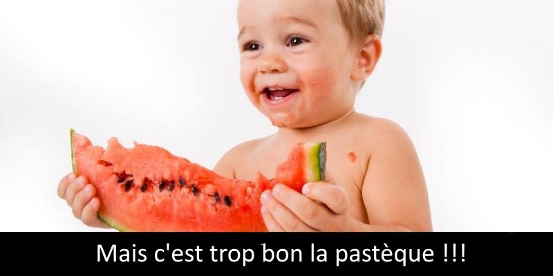 5 astuces pour aider votre bébé à manger avec sa propre cuillère pour bébé.