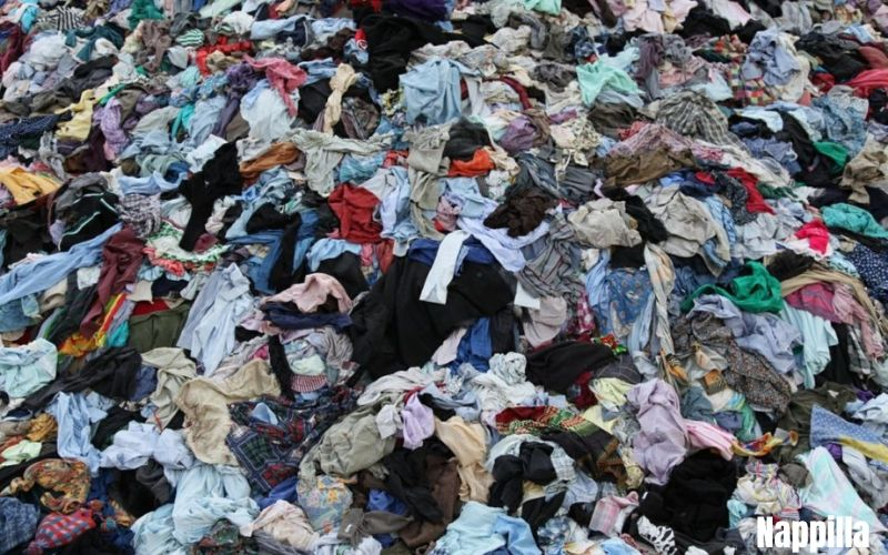 Gaspillage et pollution c'est cela l'industrie du textile - Nappilla