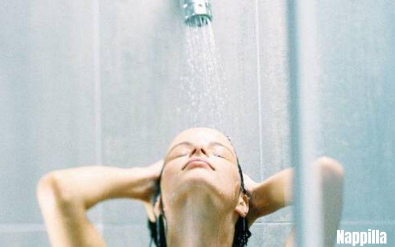 Prenez une douche au lieu de prendre un bain c'est une très grosse économie d'eau mais également une énorme économie sur votre facture