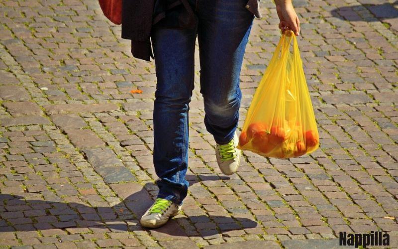 sacs biodégradables le sont ils vraiment - Nappilla blog - Luxembourg