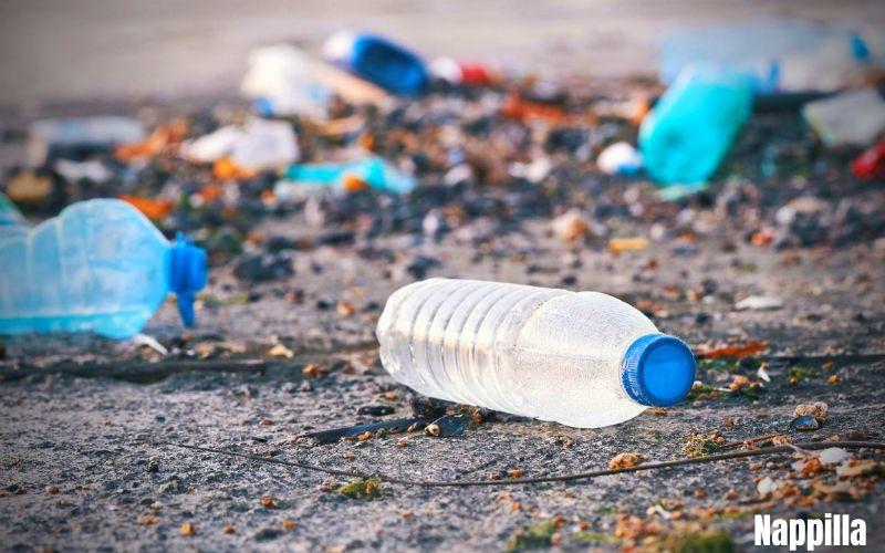 Microplastique provenant des bouteilles d'eau plastique. Comment en venir à bout  - Nappilla Blog - Luxembourg